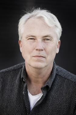 Författaren Mikael Bergstrand, fotograf Lars Dareberg